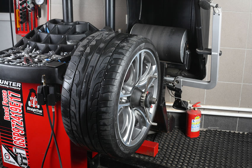 How Much Is A Wheel Alignment >> Check Wheel Alignment To Avoid Tire Replacement Mastertech Auto Care